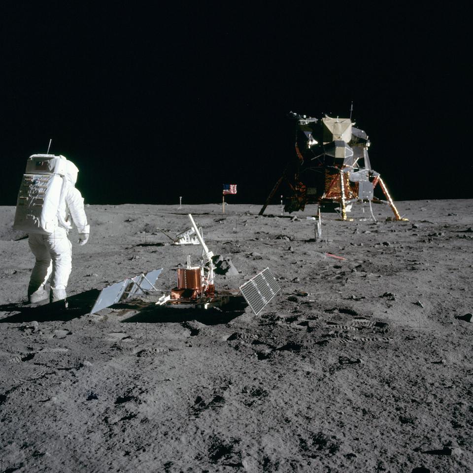 Buzz-Aldrin-en-la-Luna-donde-llego-a-bordo-del-Apolo-11-Nasa-c.jpg